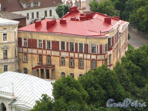 Лен. область, г. Выборг, ул. Южный Вал, дом 4. Общий вид здания. Фото 19 августа 2012 года.