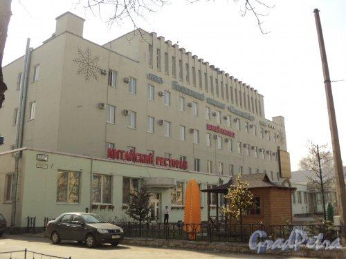 Таллинская улица, дом 11. Гостиничный комплекс «Пекинский сад». Общий вид. Фото 12 апреля 2011 года.