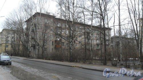 Дрезденская улица, дом 6, корпус 1. 5-этажный жилой дом 1958 года постройки. 3 парадные, 60 квартир. Фото 11 февраля 2016 года.
