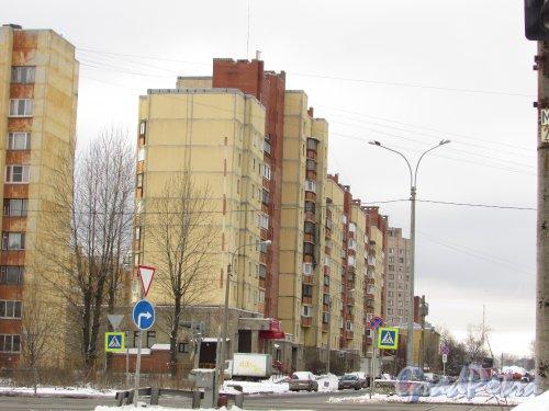 улица Дудко, дом 18, литера А. Общий вид жилого дома со стороны улицы Бабушкина. Фото 17 февраля 2016 года.