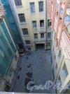 Улица Чайковского, дом 79, литера А. Внутренний двор. 16 апреля 2016 года.