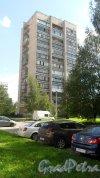 Всеволожск, Ленинградская улица, дом 19, корпус 1. 14-этажный жилой дом серии 1-528кп84 1985 года постройки. 1 парадная, 94 квартиры. Фото 23 августа 2016 года.