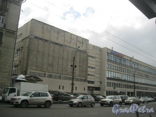 Кантемировская ул., дом 7. Фрагмент фасада. Фото 17 февраля 2016 г.