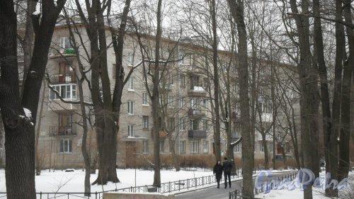 Новороссийская улица, дом 44. 5-этажный жилой дом серии 1-528кп 1966 года постройки. 3 парадные, 60 квартир. Фото 19 февраля 2016 года.