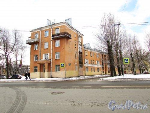 Улица Бабушкина, дом 23. Общий вид жилого дома жилмассива для рабочих-текстильщиков. Фото 16 февраля 2016 года.