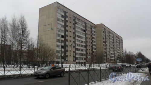 г. Всеволожск, улица Александровская, дом 84, дом 2484 по Ленинградской улице. 10-этажный жилой дом 121 серии 1994 года постройки. 5 парадных, 199 квартир. Фото 4 марта 2016 года.