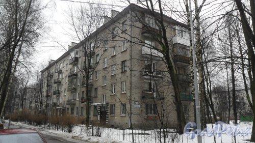 Улица Дрезденская, дом 6, корпус 2. 5-этажный жилой дом серии 1-528кп 1961 года постройки. 3 парадные, 60 квартир. Фото 6 марта 2016 года.