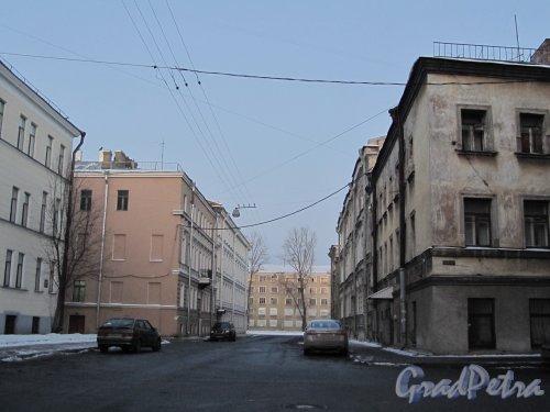 Перспектива улицы Александра Блока от Матисова переулка в сторону реки Пряжки. Фото 12 февраля 2011 года.