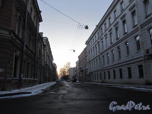 Перспектива улицы Александра Блока от Матисова переулка в сторону Перевозной улицы. Фото 12 февраля 2011 года.