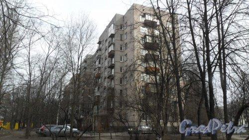 Улица Карбышева, дом 6, корпус 1. 9-этажный жилой дом серии 1-528кп41 1965 года постройки. Вид дома со двора. Фото 18 марта 2016 года.