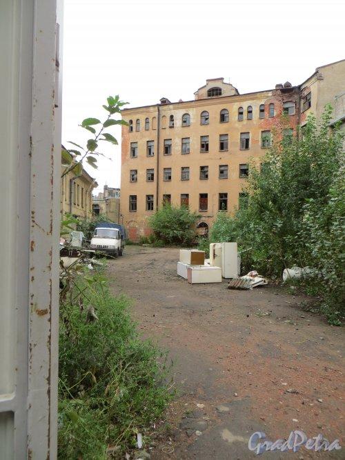 Боровая улица, дом 19. Общий вид участка. Фото 27 сентября 2013 года.