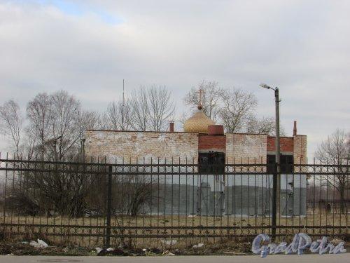 город Колпино, улица Анисимова, дом 7, литера А. Общий вид насосной. Фото 13 марта 2016 года.