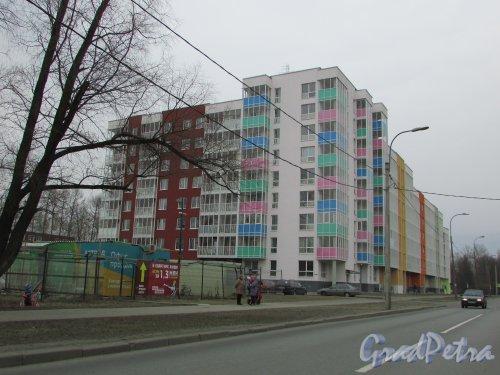 город Колпино, Павловская улица, дом 43. Общий вид жилого дома ЖК «Астрид». Фото 16 марта 2016 года.