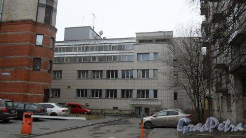 """Улица Новороссийская, дом 26, корпус 2. 4-этажное здание 2005 года постройки. Отель и бизнес-центр """"Мармара"""""""