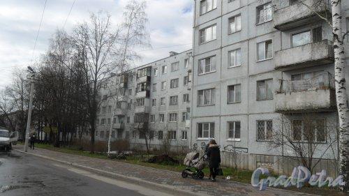 Всеволожск, улица Вокка, дом 6, корпус 1. 5-этажный жилой дом 1976 года постройки. 8 парадных. Фото 16 апреля 2016 года.