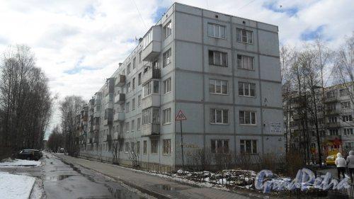 Всеволожск, улица Вокка, дом 12, корпус 1. 5-этажный жилой дом 1977 года постройки. 10 парадных, 149 квартир. Фото 16 апреля 2016 года.