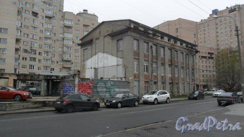 Улица Сердобольская, дом 27. Фото 28 апреля 2016 года.
