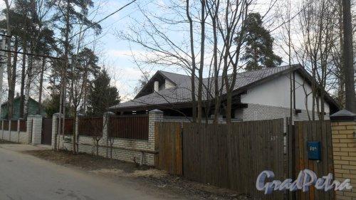 Всеволожск, улица Чернышевского, дом 72. Вид дома с улицы Преображенского. Фото  30 апреля 2016 года.
