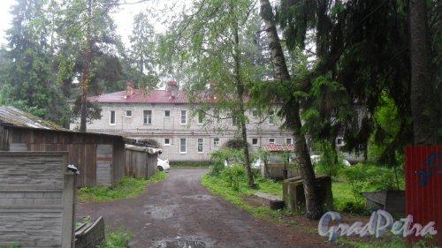 Всеволожск, улица Константиновская, дом 174. 2-этажный жилой дом 1958 года постройки. 3 парадные, 12 квартир. Фото 12 июня 2016 года.
