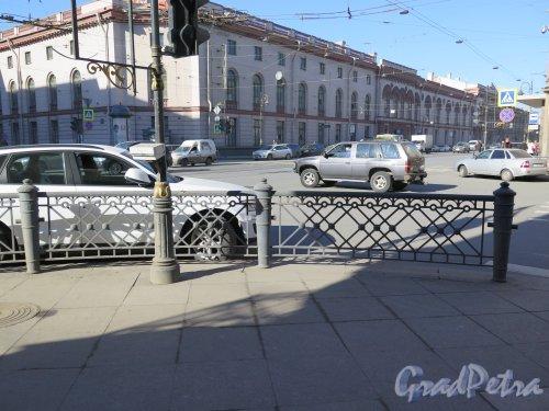Улица Чайковского. Декоративная решетка на пересечении с Литейным проспектом. фото март 2015 г.