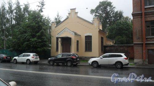 Улица Старорусская, дом 3, литер З. Часовня городской клинической больницы №46 Святой Евгении. Фото 18 июля 2016 года.