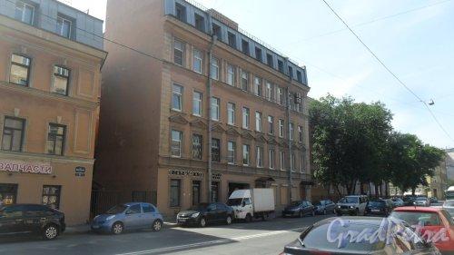 Улица Моисеенко, дом 23. 4-этажный жилой дом 1904 года постройки. 2 парадные, 21 квартира. Парикмахерская