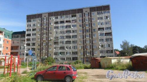 Всеволожск, улица Дружбы, дом 4, корпус 3. 9-этажный жилой дом 121 серии 1990 года постройки. 2 парадные, 75 квартир. Фото 4 августа 2016 года.