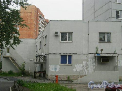 ул. Маршала Захарова, дом 37, корпус 1. Вид со стороны двора. Фото 20 июля 2016 г.