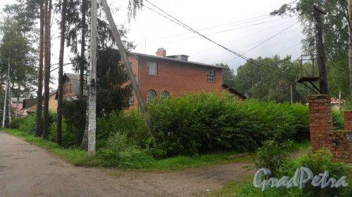 Всеволожск, Бернгардовка, улица Дружбы, дом 49. Фото 15 августа 2016 года.