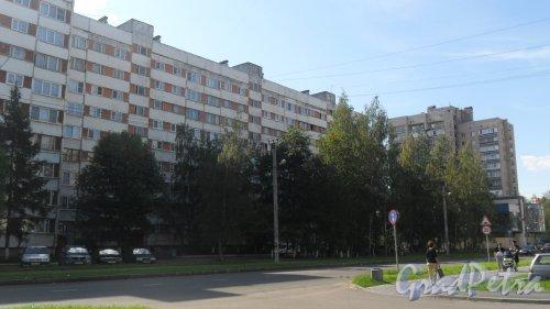 Всеволожск, улица Ленинградская, дом 21, корпус 1. 9-этажный жилой дом серии 1-ЛГ600А 1986 года постройки. 3 парадные, 108 квартир. Фото 23 августа 2016 года.