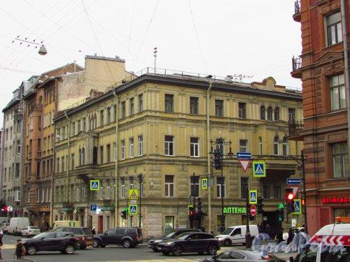 улица Жуковского, дом 27 / улица Маяковского, дом 7. Общий вид здания. Фото 21 октября 2016 года.