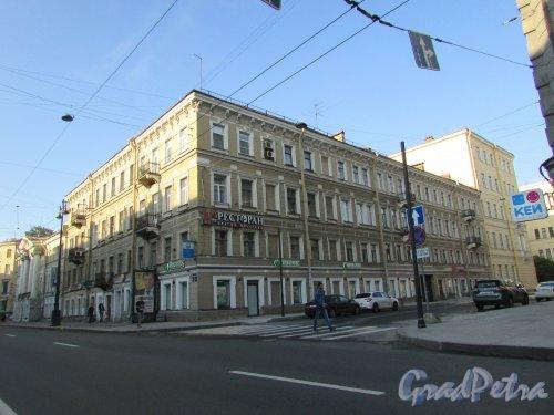 2-я Красноармейская улица, дом 2 / Московский проспект, дом 27. Общий вид здания. Фото 22 августа 2016 года.