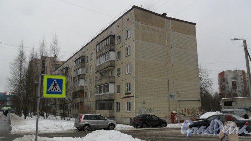 Всеволожск, улица Ленинградская, дом 30, корпус 2. 5-этажный жилой дом 1990 года постройки. 4 парадные, 60 квартир. Фото 17 ноября 2016 года.