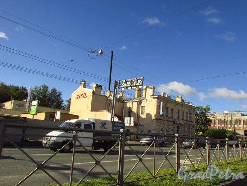Кантемировская улица, дом 17, литера А. Общий вид здания. Фото 8 сентября 2016 года.