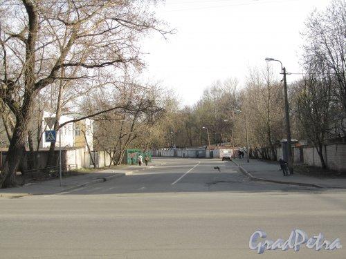 Перспектива Сазоновской улицы от Железноводской улицы в сторону улицы Одоевского. Фото 30 апреля 2012 года.