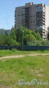 Улица Малая Балканская, дом 4, корпус 3. 14-этажный жилой дом серии 1-528кп80 1977 года постройки. 1 парадная, 97 квартир. Фото 24 мая 2018 года.