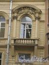 Ул. Чайковского, д. 53. Особняк А. К. Кольмана, 1860-61, Оформление балкона. фото июнь 2016 г.