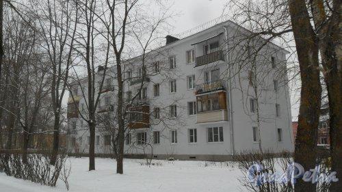 Всеволожский район, поселок имени Морозова, улица Первомайская, дом 5. Вид дома после утепления фасада. Фото 10 февраля 2017 года.