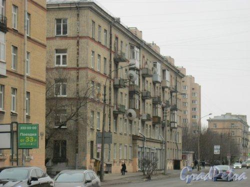 Варшавская ул., дом 98. Общий вид со стороны дома 61, корпус 1. Фото 16 февраля 2017 г.