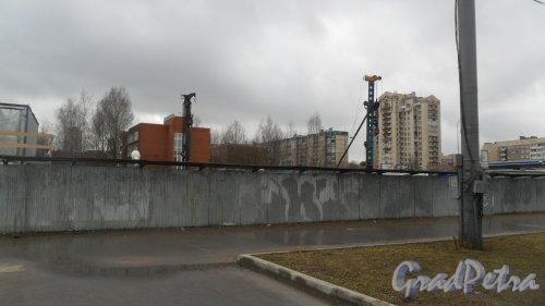 Улица Байконурская, дом 22. Строительство спортивного комплекса. Фото 15 марта 2017 года.