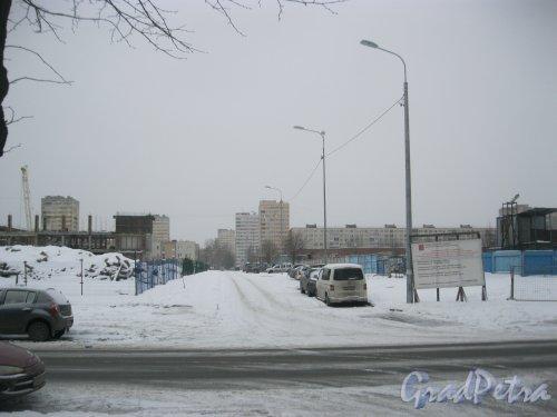ул. Руднева у дома 9, корпус 1. Проезд в сторону ул. Кустодиева. Фото 27 февраля 2016 г.
