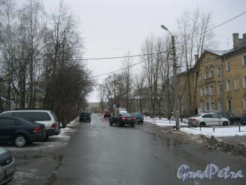 Добрушская улица. Вид от ул. Пограничника Гарькавого в сторону ул. Лётчика Пилютова. Фото 19 января 2017 года.