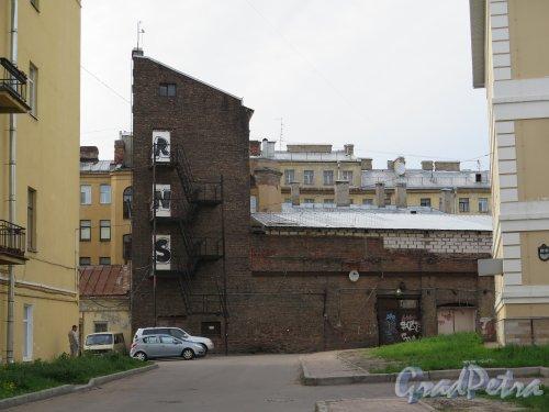 Чайковского ул., д. 12, к. 3. Хозяйственная постройка. фото май 2015 г.