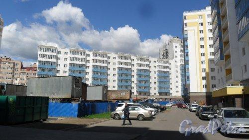 Всеволожск, микрорайон Южный, улица Центральная, дом 10, корпус 3. Корпус 3 жилого комплекса «Полар-Южный».