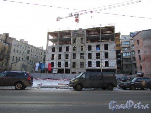10-я Советская улица, дом 8, литера А. Вид на строительство жилого дома «Veren Place на Советской» со стороны улицы Моисеенко. Фото 31 января 2018 года.