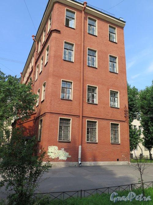 Загородный проспект, дом 42, литера Д. 4-х этажное здание. фото август 2015 г.