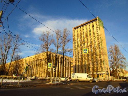 Новороссийская улица, дом 50, литера А. Вид со стороны Политехнической улицы. Фото 20 января 2017 года.