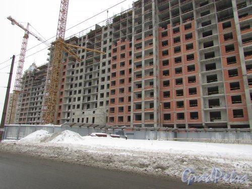 улица Костюшко, дом 19. Вид на строительство жилого комплекса «Москва» вдоль улицы Галстяна. Фото 11 февраля 2018 года.