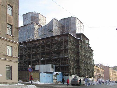 Боровая улица, дом 52, корпус 1, литера А. Реставрация Покровской церкви. Фото 15 февраля 2018 года.