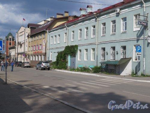 Перспектива улицы Жука от Красной площади в сторону улицы Чекалова. фото август 2015 г.